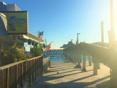 Pierside Grill in Fort Myers Beach, Florida