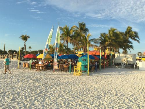 Salty Crab Bar & Grill Seaside on Fort Myers Beach